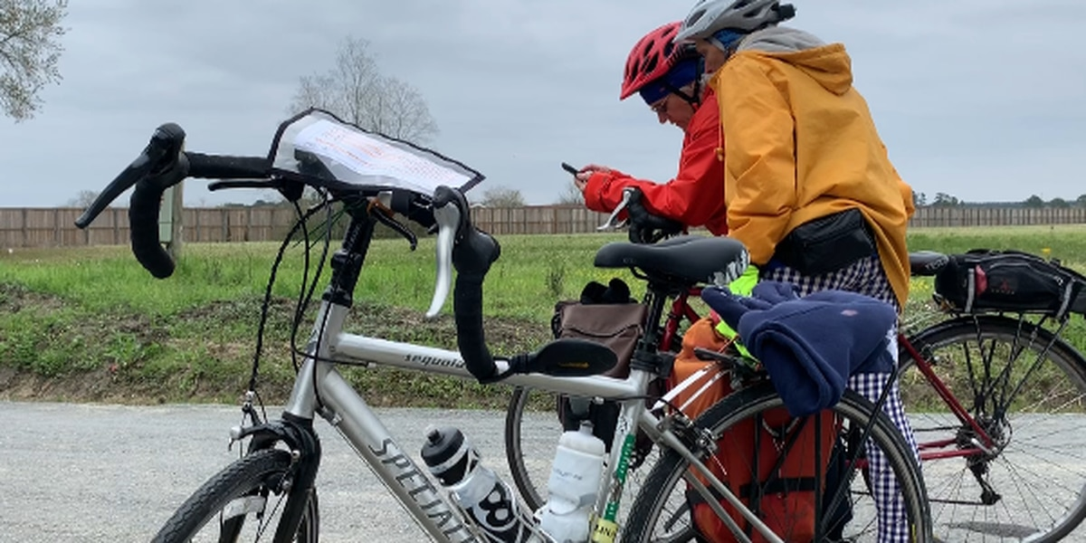 Seniors cycling across the southern United States