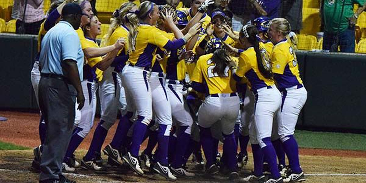 LSU Softball snaps skid with 9-0 win over Missouri in five