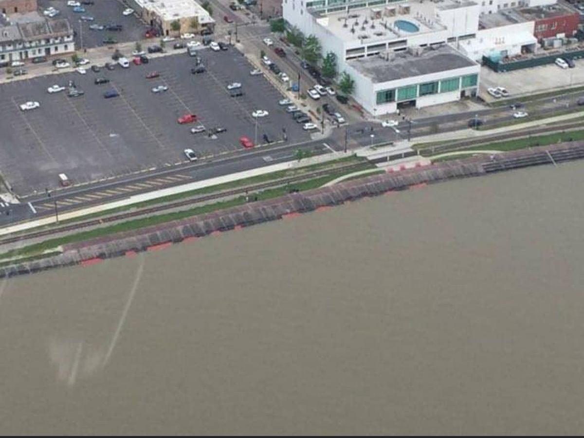 Aerial photos show Miss. River in downtown Baton Rouge