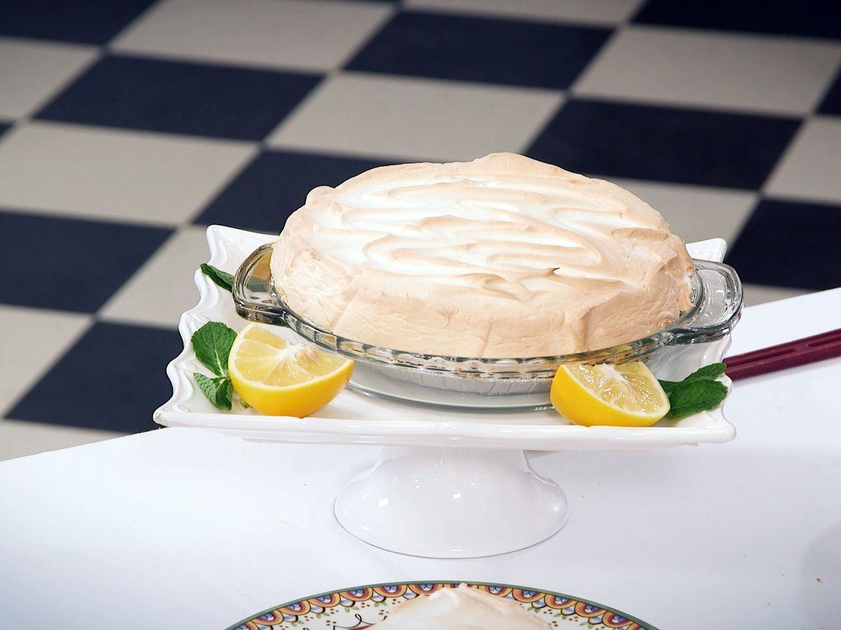 Old-Fashioned Lemon Pie