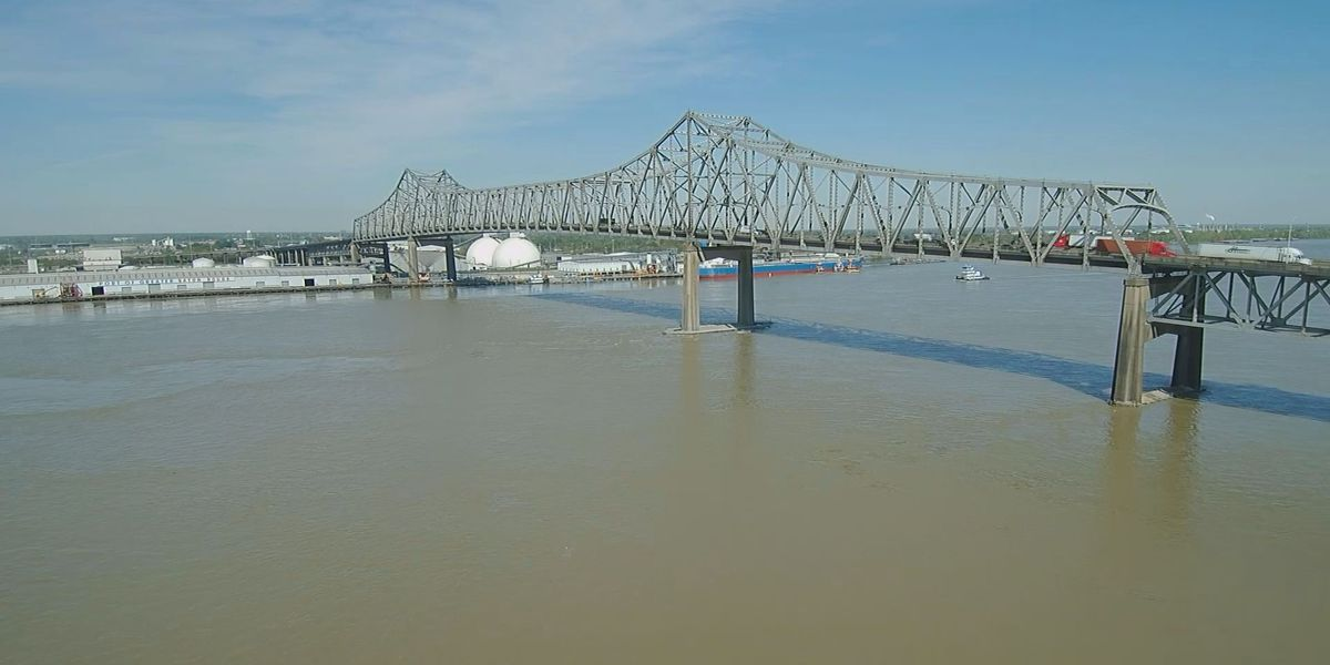 New bridge across Mississippi River inching closer to reality