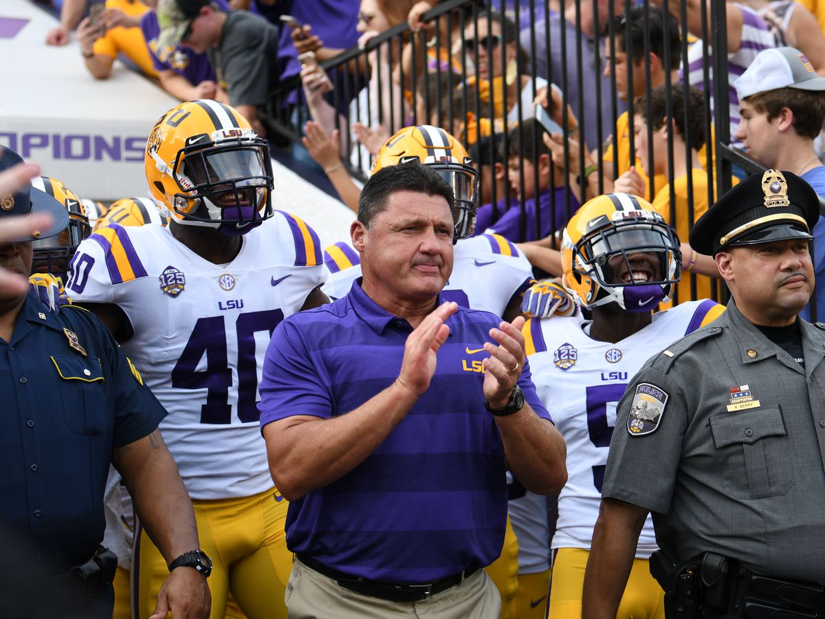 LSU looks to land top 10 recruiting class as early signing period begins