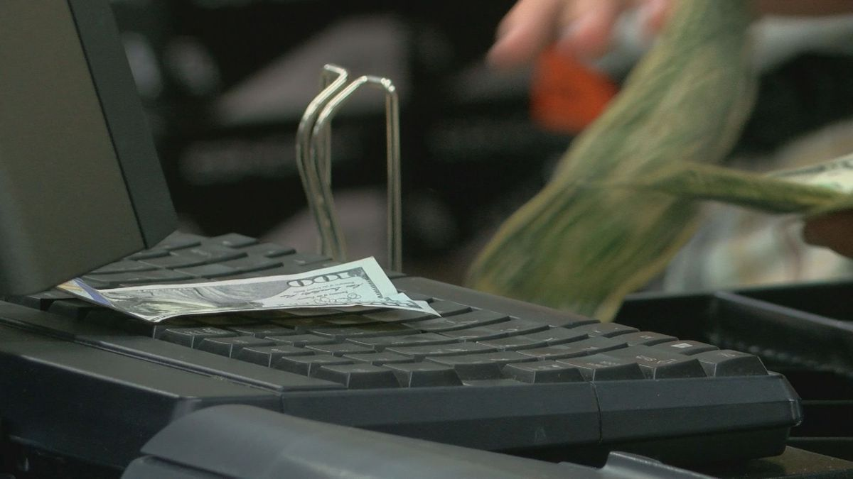 Better Business Bureau shares tips on returns and exchanges during the holiday season