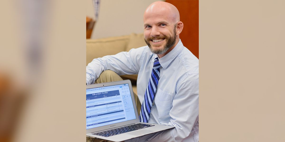 Dunham teacher Kris Harrell named Apple distinguished educator