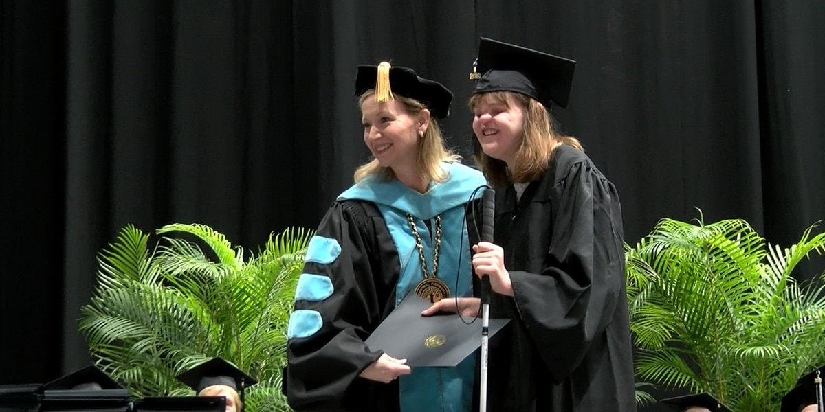 'I don't need easy, I just need possible', Cassidy Hooper, born without eyes or nose, graduates from college in Charlotte