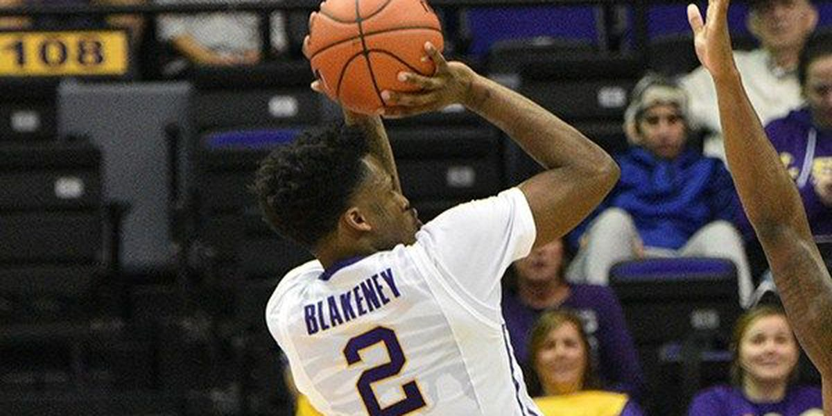 Antonio Blakeney puts up 27 to rally LSU to a 70-66 win over NC Central