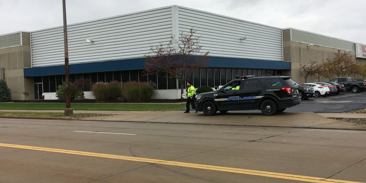 Bomb threat called off after police search near I-X Center