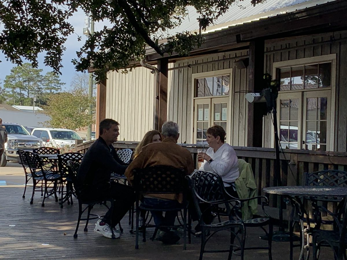 Baton Rouge area restaurants reassessing outside dining during winter