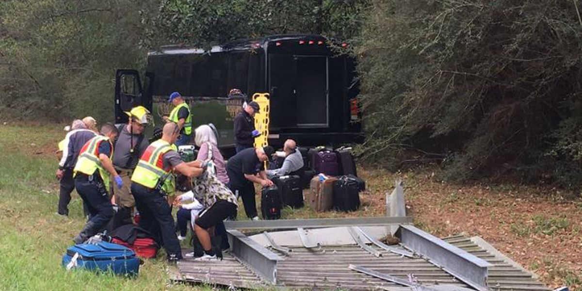 26 people injured in I-10 charter bus crash near LA-MS state line