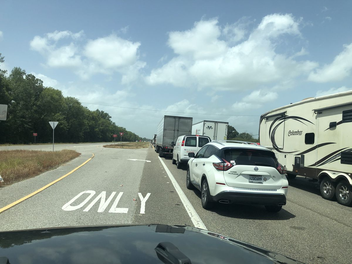 Traffic on US 190 at a crawl Tuesday afternoon due to I-10 closure