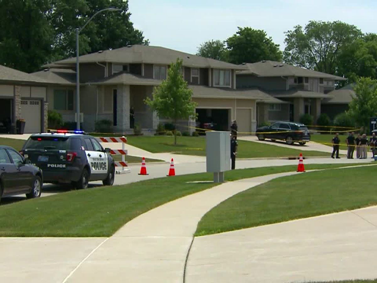 Police: 2 adults, 2 kids gunned down in Iowa
