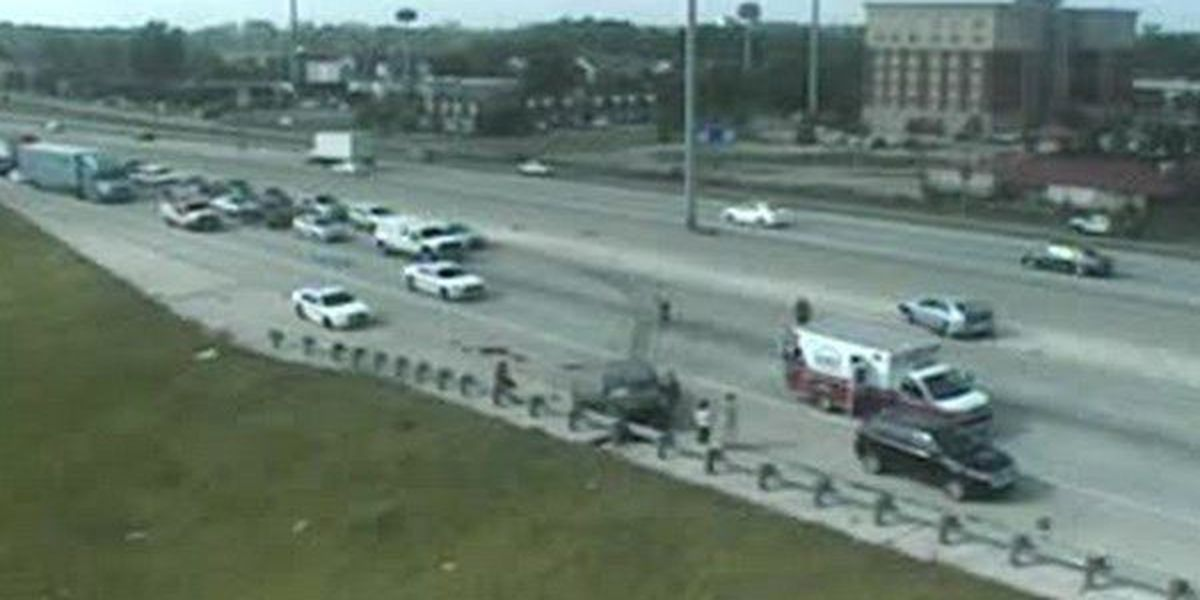 All lanes reopen on I-10 W at Essen following crash