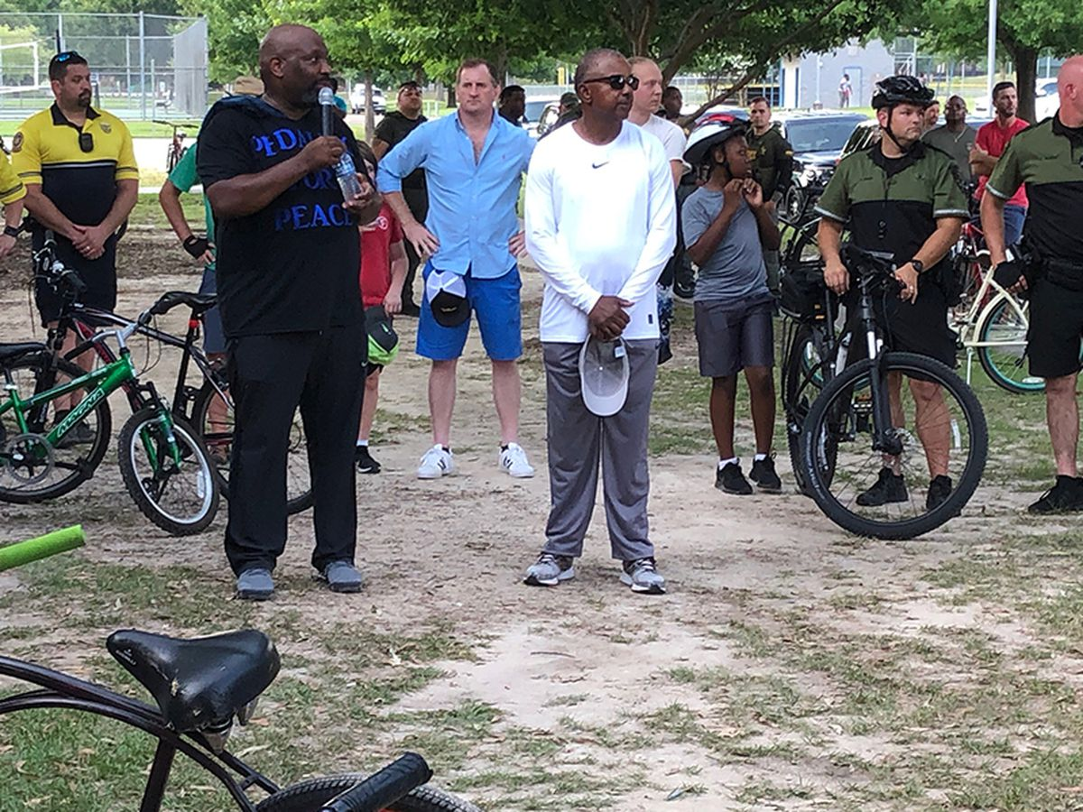 More than 100 gather for bike ride with aim of solving violence in Baton Rouge