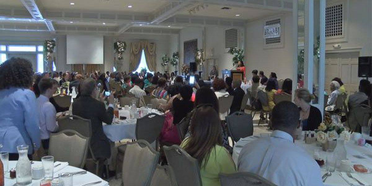 Former WAFB anchor honored at Black Journalist banquet