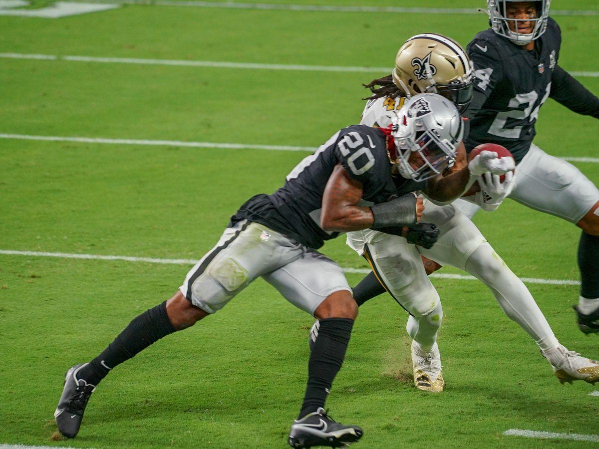 Saints squander double-digit lead, lose to the Raiders