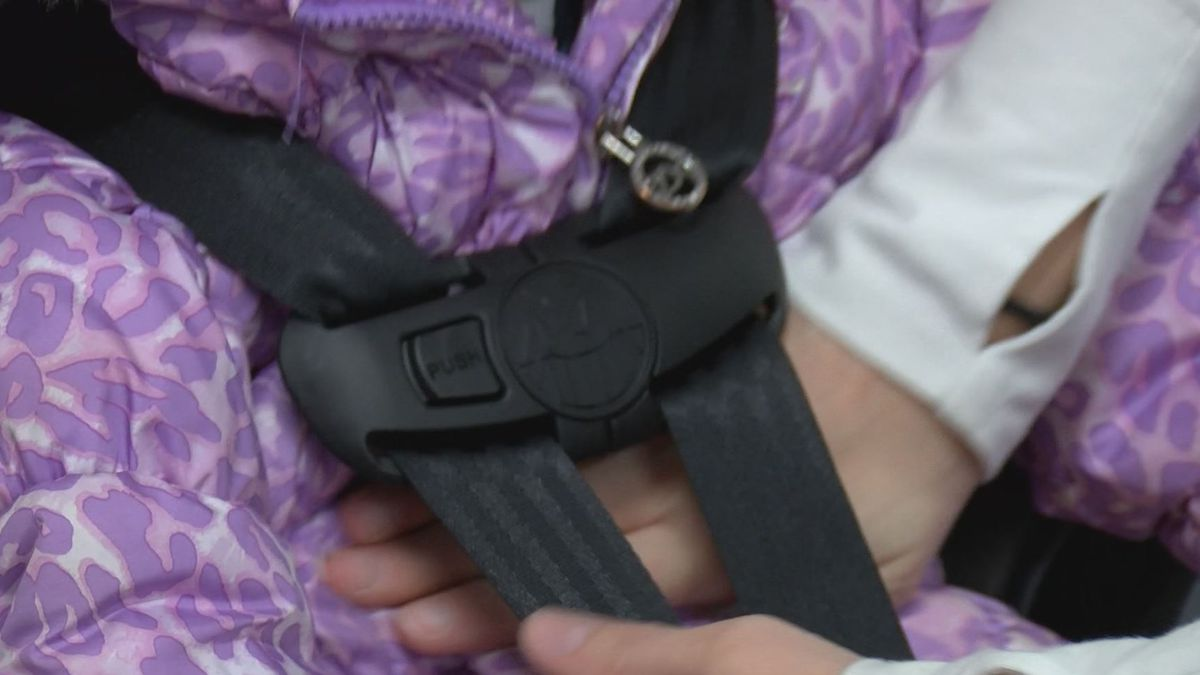 Experts warn against kids wearing bulky coats in car seats