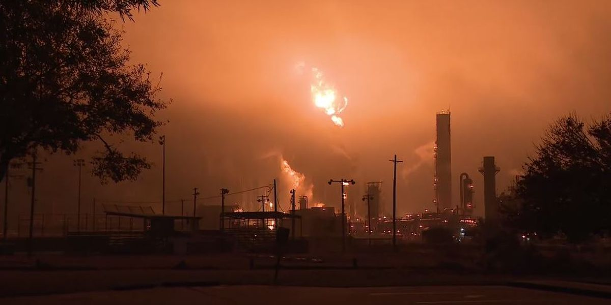 Chemical plant explodes in Texas, United States