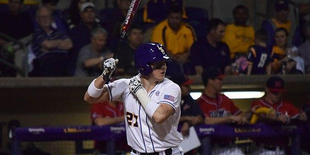 No. 1 LSU beats No. 2 Texas A&M 4-3 on walk-off single