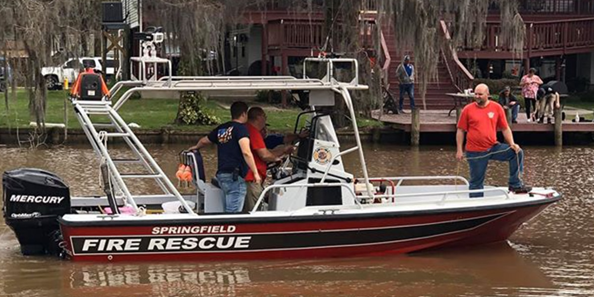 Body recovered from submerged vehicle after 14-hour operation in Livingston Parish