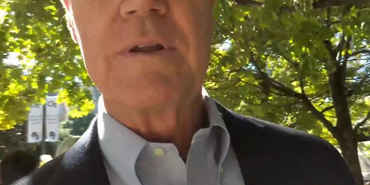 Video: Senator snatches cell phone from college student asking question in Georgia