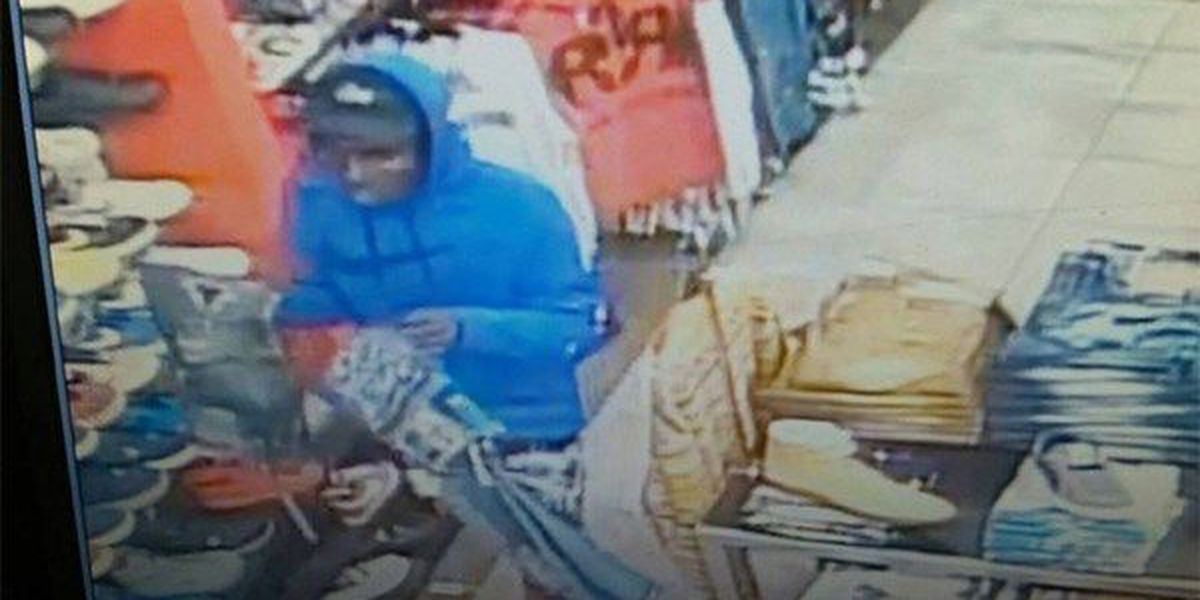 EBRSO seeks suspects who allegedly stole $8,000 in merchandise from clothing store