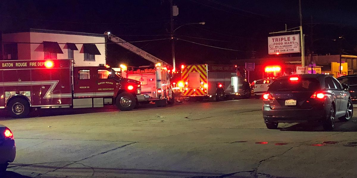 Baton Rouge crews respond to fire at closed medical clinic