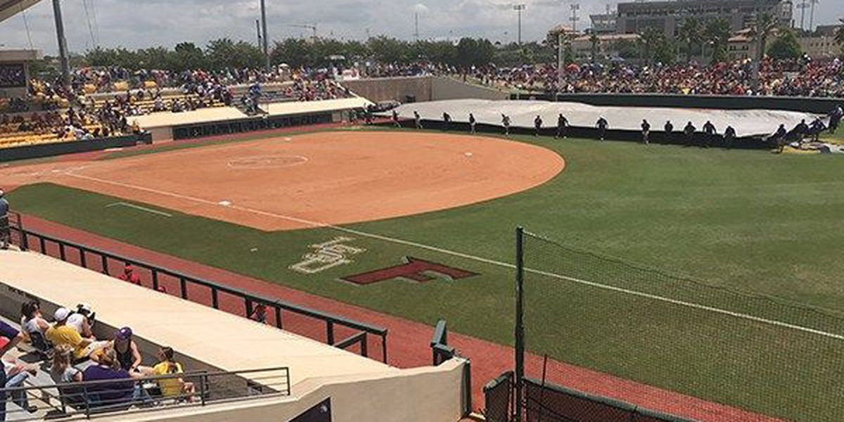 Lightning again suspends play for LSU softball vs. UL-Lafayette
