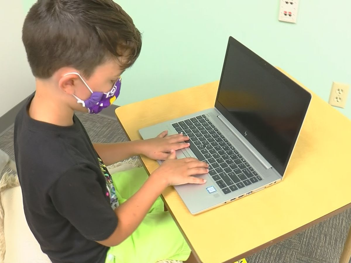 Experts encourage parents to create best possible environment for kids to learn virtually