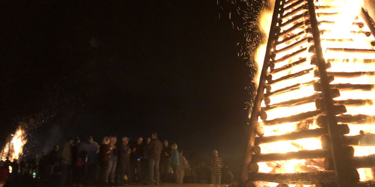 River Parishes hold annual lighting of the bonfires on the levee for Christmas Eve