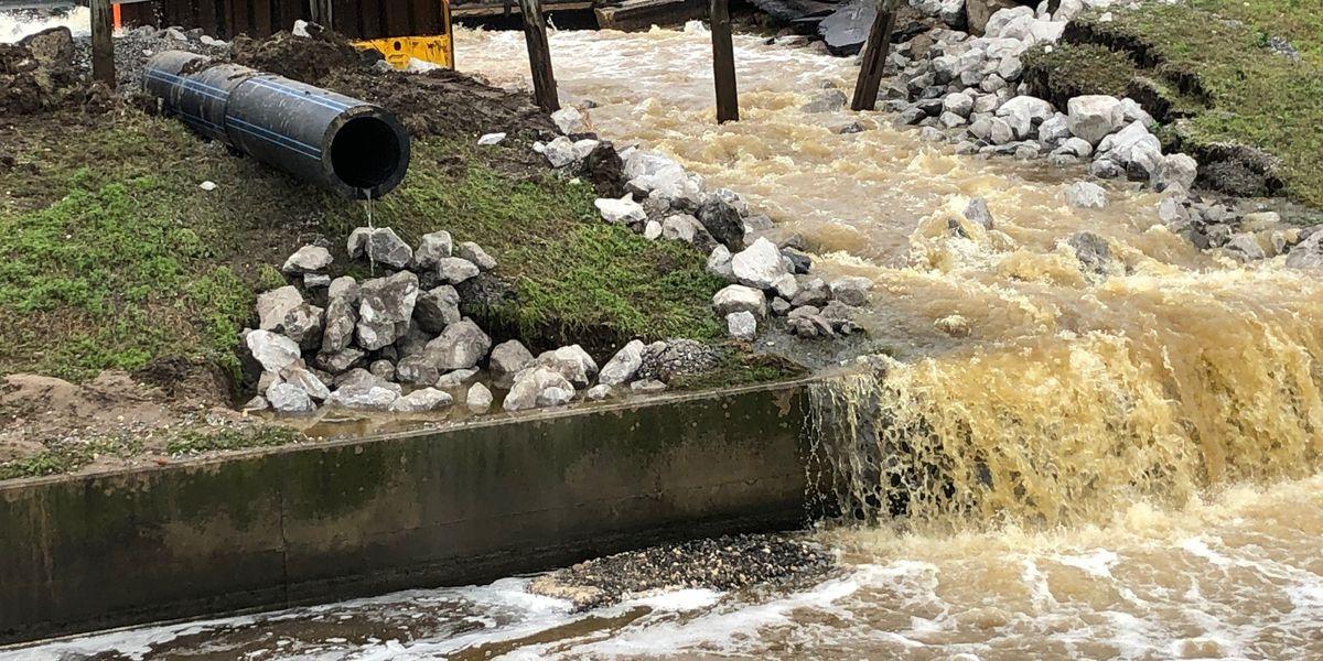 Metairie sewer main line break causes concern