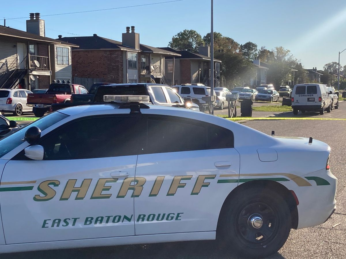 Man found shot to death inside apartment on Skysail Avenue