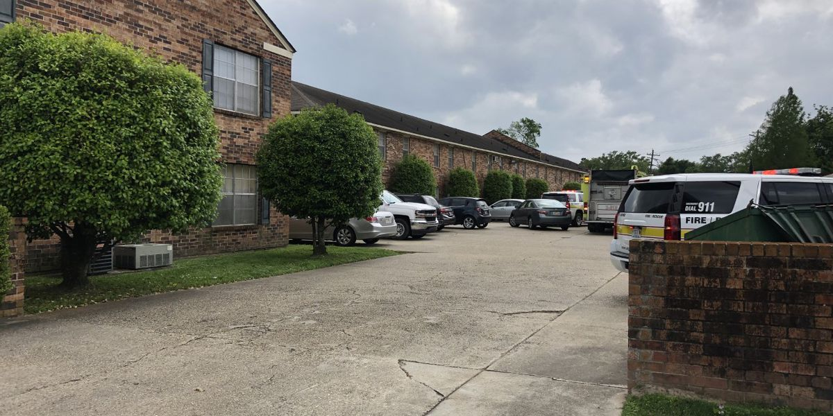 Over 20 displaced by fire at apartment complex on Jefferson Highway