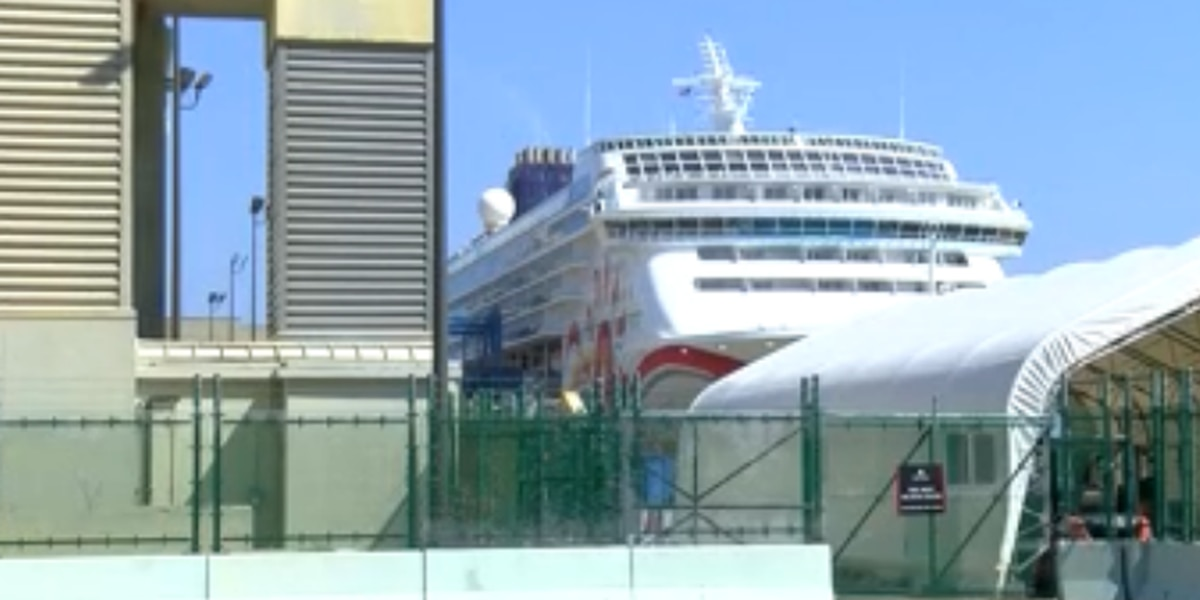 'This was a horrible trip': Angry cruise passengers say they should never have left port