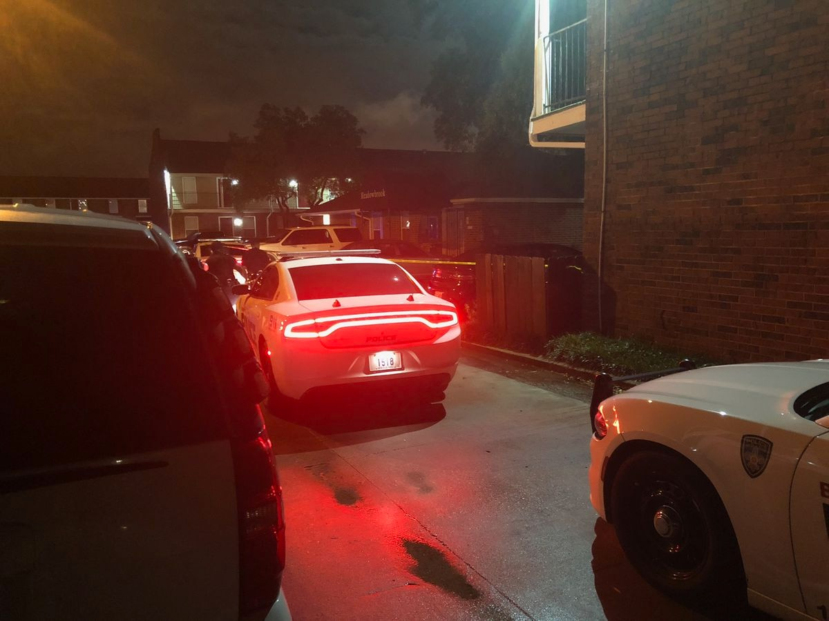 One critically injured in shooting at Meadowbrook Apartments