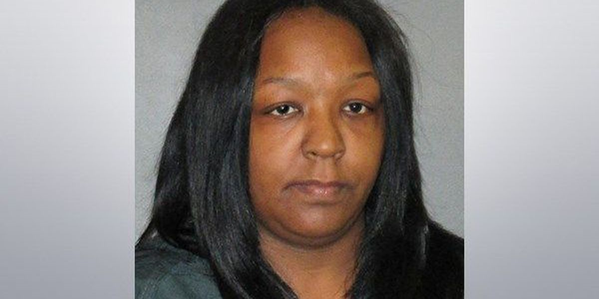 Woman allegedly uses company ID numbers to set up fake cell phone accounts