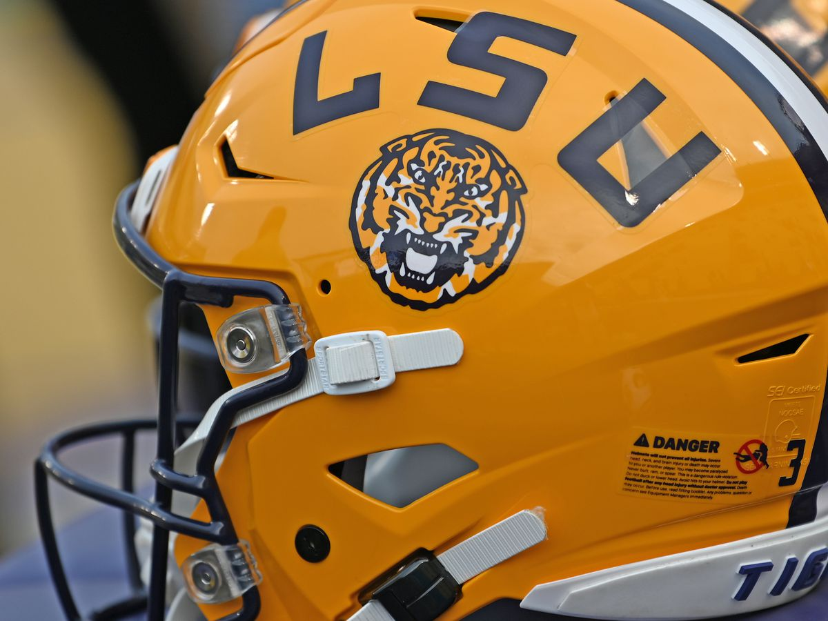 GAME UPDATES: No. 1 LSU vs Ole Miss