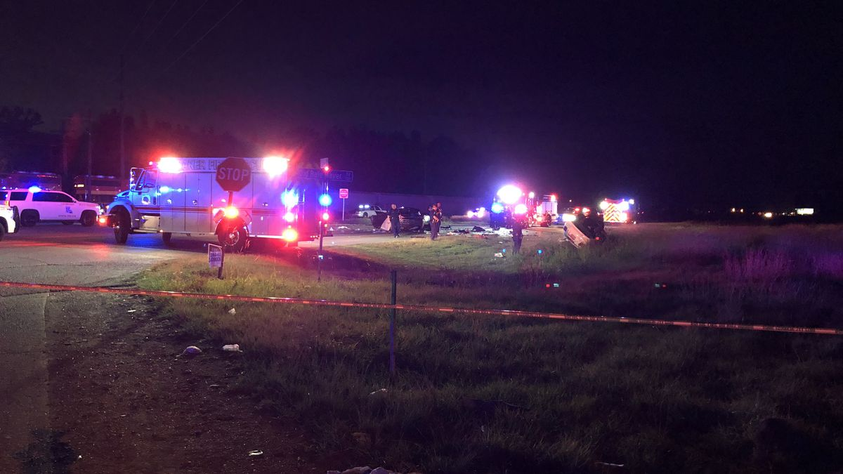 2 dead in police chase that began in New Roads, ended in Baton Rouge