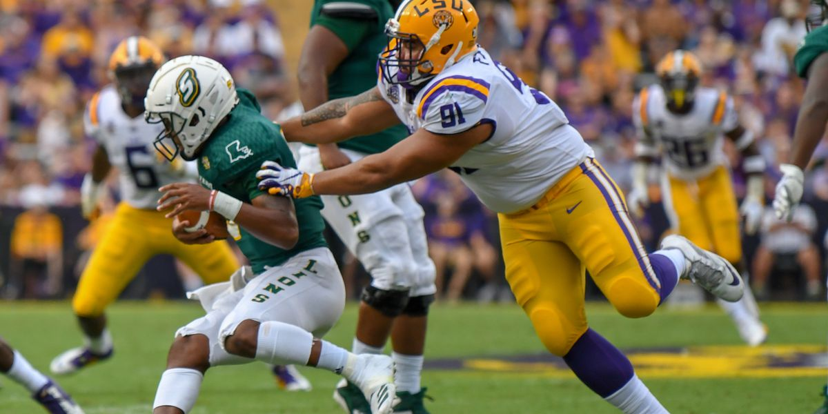 LSU DL Breiden Fehoko opts to stay with Tigers for senior season