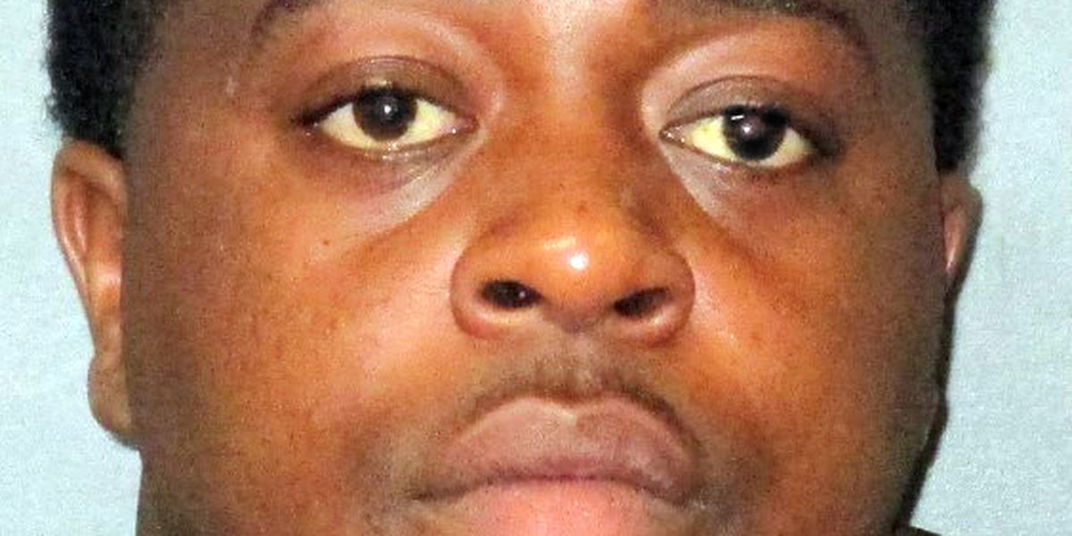 Man arrested for allegedly terrorizing employees at Belle of Baton Rouge Casino with handgun