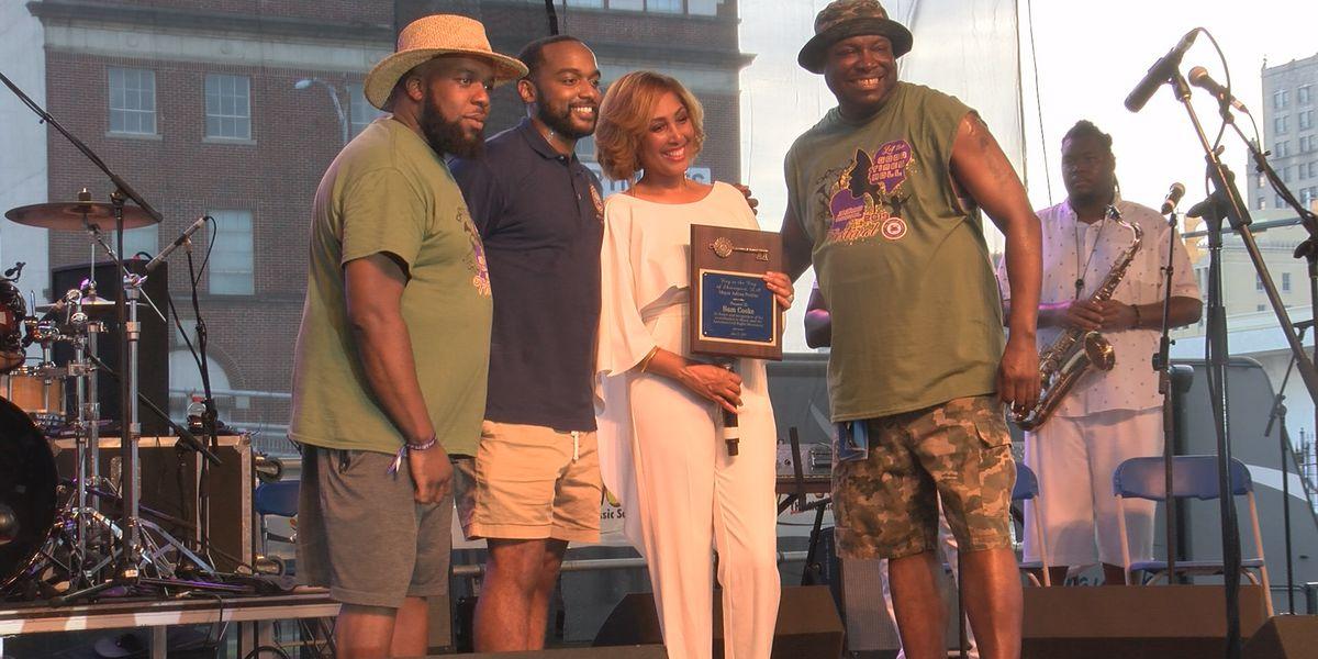Shreveport mayor apologizes to the late Sam Cooke, awards posthumous key to the city