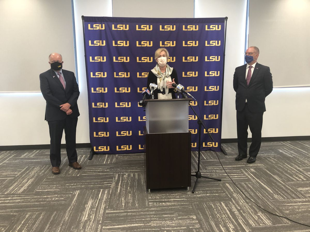 Dr. Deborah Birx holds round table discussion with LSU officials