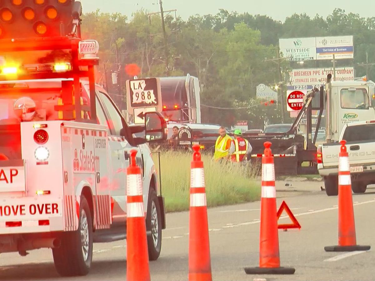 One dead in Port Allen crash