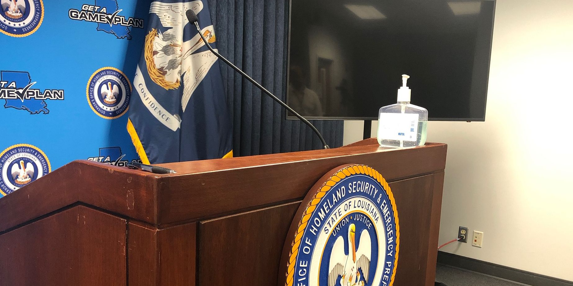 STREAMING LIVE: Officials discuss COVID-19 response