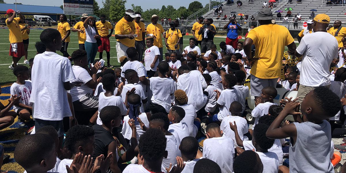 Doug Williams Football Camp attracts hundreds of participants