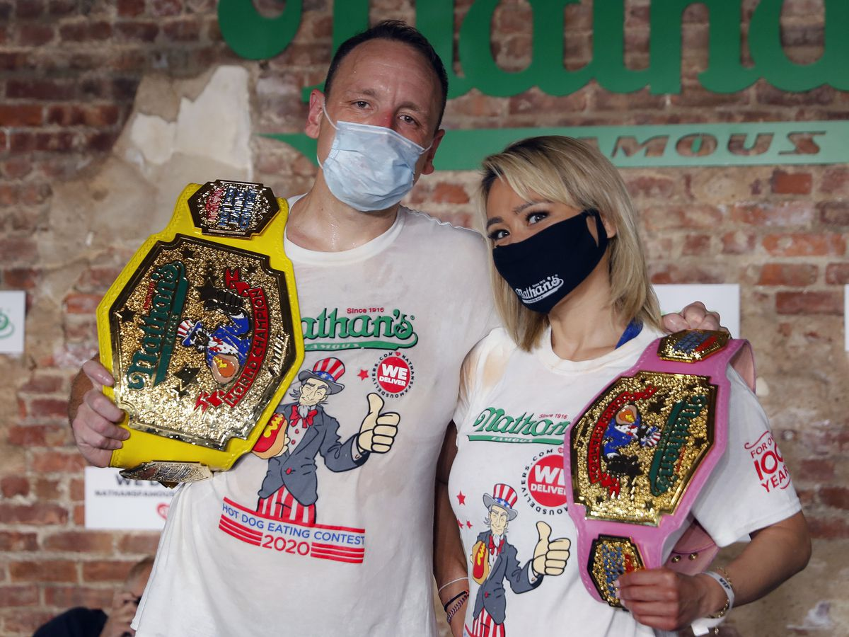 Virus doesn't stop annual hot dog eating contest