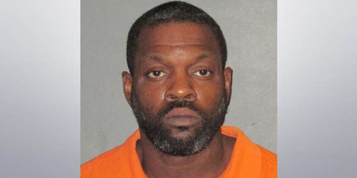 Police: Man wearing only red underwear attacks officers using 'superhuman strength'