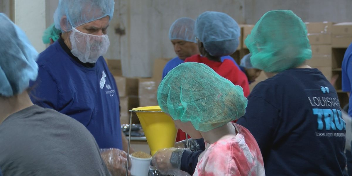 BlueCross BlueShield volunteers pack 40,000 meals for MLK Day