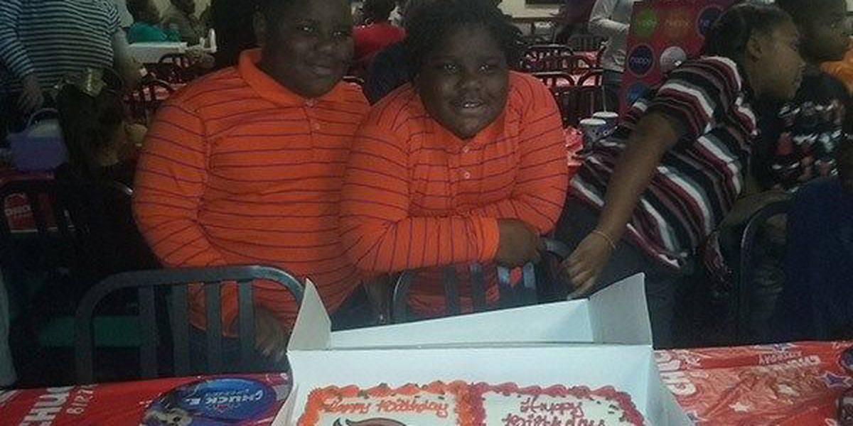 Donaldsonville twins, 8, watch their favorite teams compete in AFC Championship Game