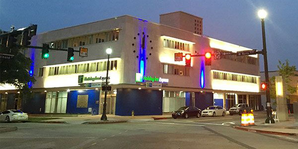 New Downtown Baton Rouge hotel holds grand opening