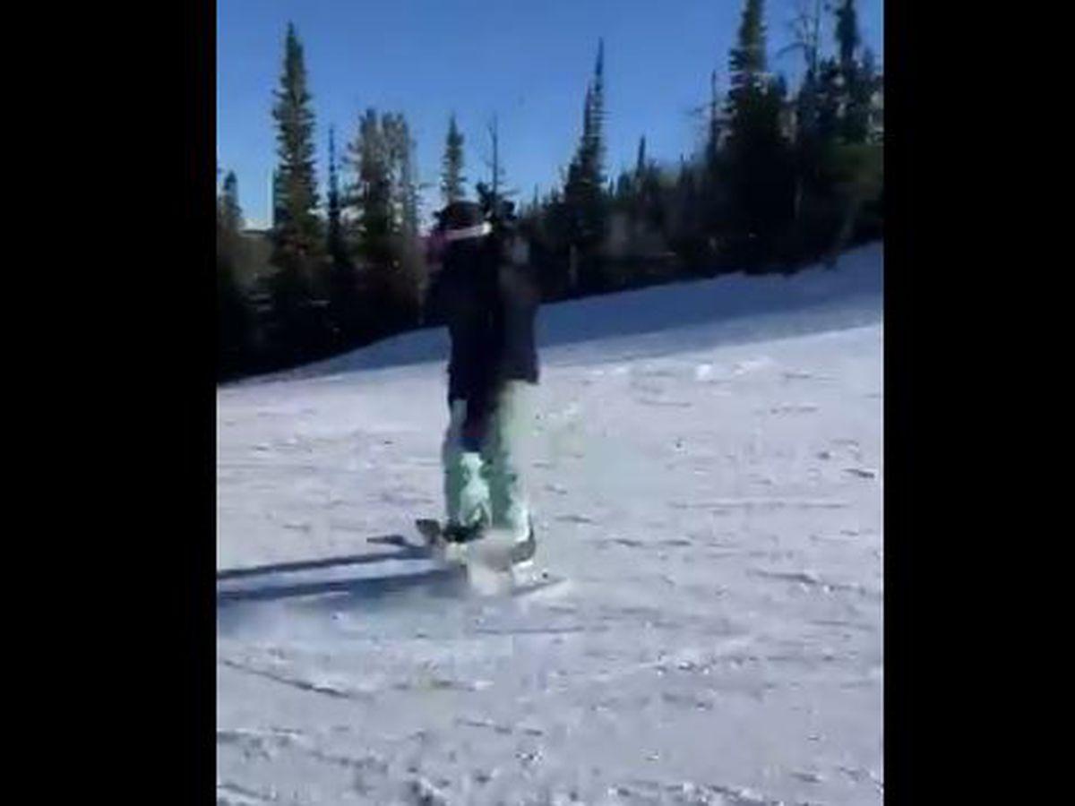 VIDEO: Saints RB Alvin Kamara snowboarding, and he's really good!
